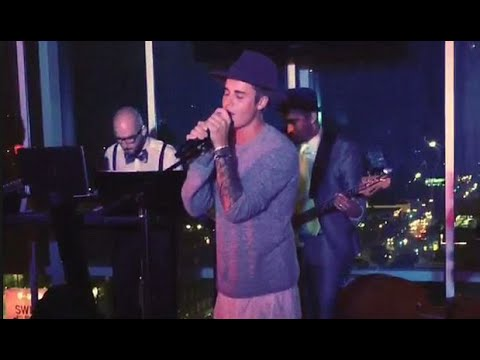 Justin Bieber Humps Stage During 'Boyz II Men' Cover! (VIDEO)