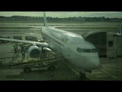 Ukraine International Airlines Boeing 737-800 Full Flight From London Gatwick To Kyiv Ukraine