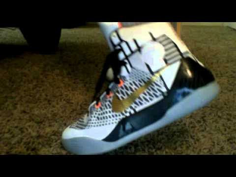 d8580a3456bf kobe 9 elite gold on foot - YouTube