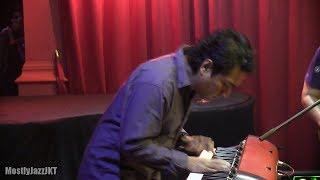 Sandhy Sondoro ft. Indra Lesmana - Aku Ingin @ Mostly Jazz 28/05/14 [HD]