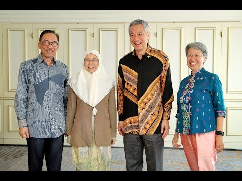 DPM, Anwar and Hsien Loong casually talk about S'pore-Malaysia ties