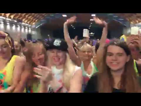 ZUMBA FITNESS live PEOPLE ZUMBA WAITING BETO at RIMINI WELLNESS 2017