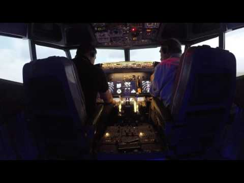 Virtual Flight Experience - Boeing 737-800