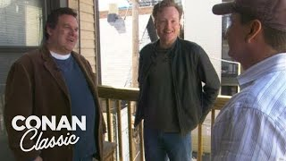 "Conan & Jeff Garlin Visit Their Old Apartment In Chicago - ""Late Night With Conan O'Brien"""