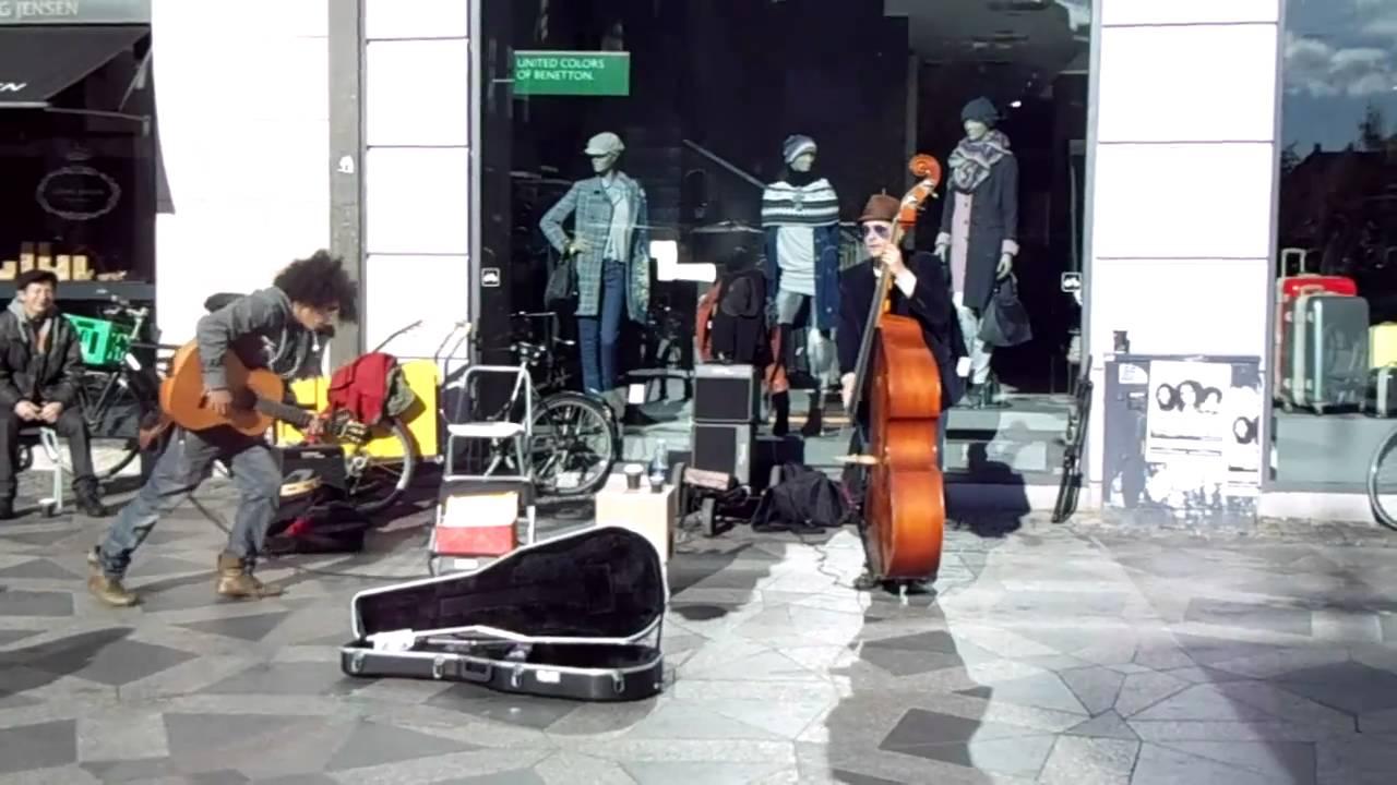 Funny street musicians in Copenhagen - 2