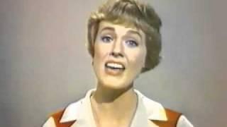 Julie Andrews Sings Auld Lang Syne