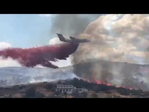 Heavy tanker drops slurry on Bug Creek Fire in Arizona