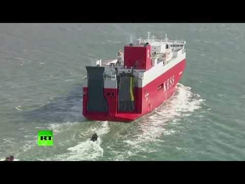 Greenpeace activists board ship carrying 1000s of Volkswagen diesel cars