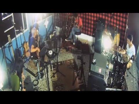 slank-sedekah-official-music-video
