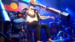 "Xavier Rudd ""Fortune Teller"" Live At Paradiso!"