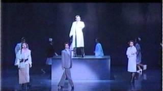 2002年 宝塚月組公演 2012年 花組で再演.
