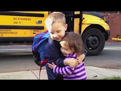 Precious Moments Little Kids Waiting and Welcome Big brother/ sister get off school Bus Compilation