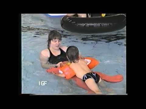 Neukölln Lipschitzallee Schwimmbad Gropiusstadt 1989