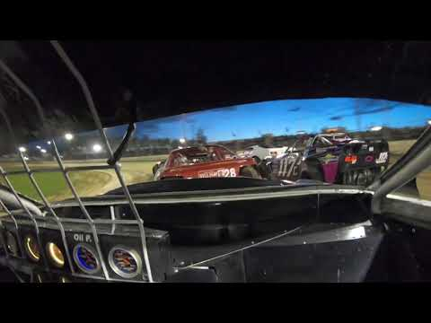 11C saloon heat 3 started on 5 finished in 3rd. - dirt track racing video image