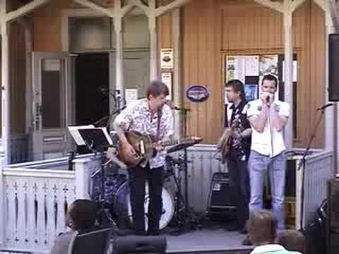 """Kurt Slevigen Band """"Walkin' Blues"""""""