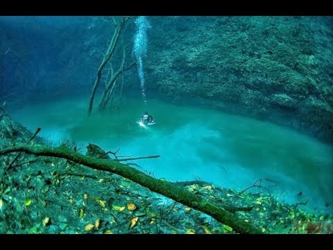 Top 10 Most Beautiful Places Under The Ocean - Amazing Underwater Discoveries
