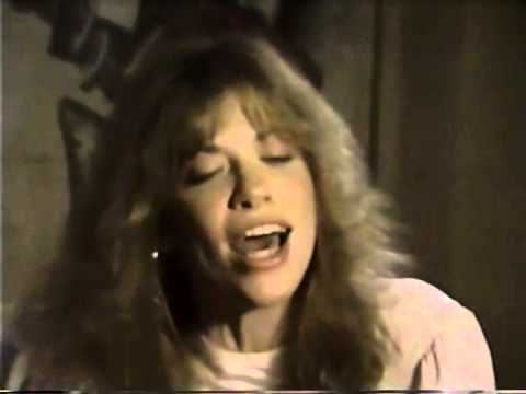 Carly Simon Nobody Does It Better