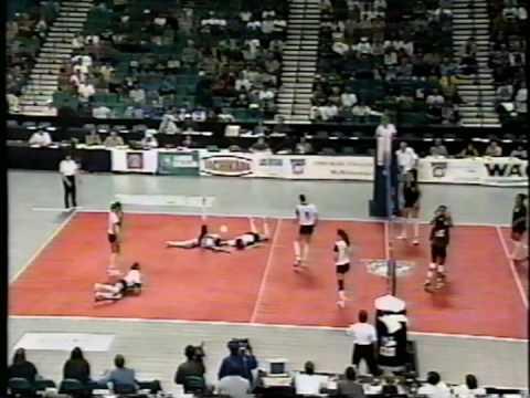 13 Wahine Volleyball g4
