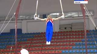 Сильнейшие гимнасты страны борются за награды чемпионата России