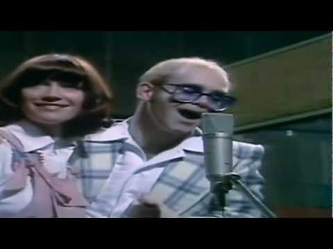 Elton John and Kiki Dee  Don`t Go Breaking My Heart  Complete Version in HD