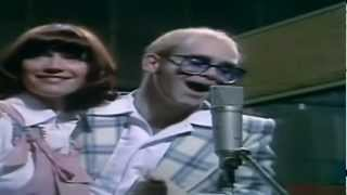 Elton John and Kiki Dee - Don`t Go Breaking My Heart / Complete Version in HD