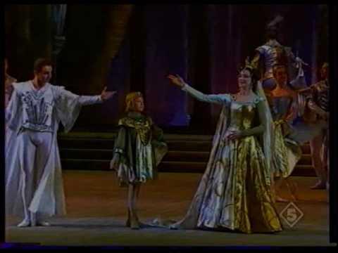 Yulia Makhalina in Raymonda act I (Fragment) 1 of 2.