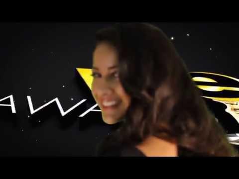 Ashley Aya de Avenue Q15 Magazine en Premios Vive 2014