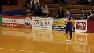 第2セット中盤でリードを広げた東京はミロ、山岡を下げて阿部、高橋を...