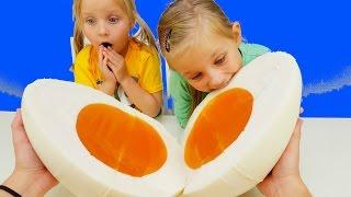 ОБЫЧНАЯ ЕДА против МАРМЕЛАДА Большое ПРОТИВ Маленького ЧЕЛЛЕНДЖ для детей Real Food vs  Gummy Food