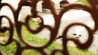 видео Купить дорогие дизайнерские немецкие столы из дерева в Санкт-Петербурге
