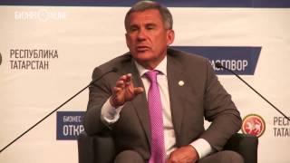 Рустам Минниханов отказался кушать китайскую лапшу-вок