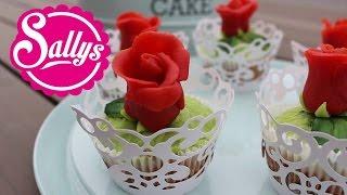 Marzipan-Rosen auf saftigen Marzipan-Kirsch-Muffins / Anleitung / Rose Cupcakes
