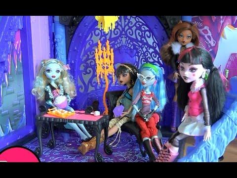 Куклы монстер хай видео сериалы в школе кто снимается в сериале школа рока на никелодеон видео