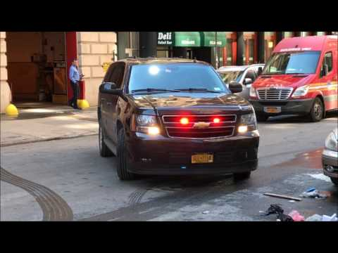 RARE CATCH OF THE FDNY MANHATTAN BOROUGH COMMANDER RETURNING TO QUARTERS IN TRIBECA, MANHATTAN, NYC.