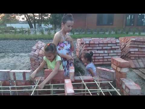 Устройство цоколя из кирпичной опалубки с последующей заливкой бетоном