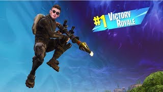 Infinite Lists Getting Victory Royale\'s! (LIVE)