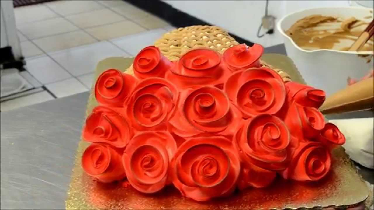 How To Make Cake Thats Looks Like A Bouquet Of Red Flowers Youtube