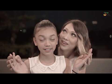 NIVEA #Sentuhan Ibu mempersembahkan: Sahabat Setia, dinyanyikan oleh Nola & Naura.