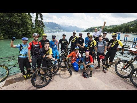 In bici con Sam Hill, Fabien Barel e Anne Caroline Chausson