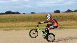 Calgary teen sets longest 'wheelie' world record