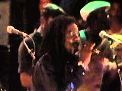 Dennis Brown   If I Had The World Live at Sunsplash 81