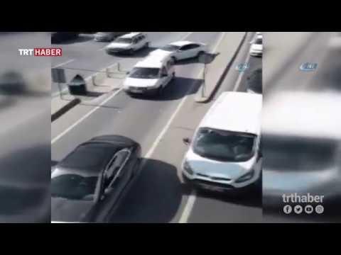 Trafik kurallarının hiçe sayıldığı o anlar kameralara yansıdı