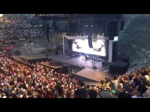 Adele - Hello (live Arena Di Verona 28.05.16 - Night 1)
