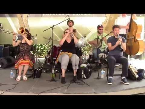 """""""Isle of Capri""""  -  Shotgun Jazz Band"""
