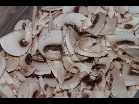 The RIGHT Way To Clean Mushrooms