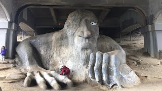 Fremont Troll, Vladamir Lenin and the House from UP