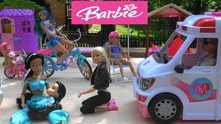 Barbie and Princess Jasmine Bike Ride Accident with Barbie Dream House and Barbie Ambulance