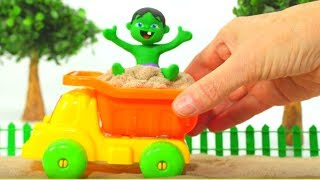 Hulk Plays with Sand ❤  Frozen Elsa & Superhero Play Doh Cartoons & Stop Motion Movies For Kids