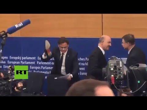 Un eurodiputado 'pisa' el veto europeo a los presupuestos de Italia