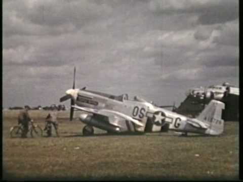 P52. MUSTANG, SEEN HERE AT PODINGTON 1944/45 WW 2.